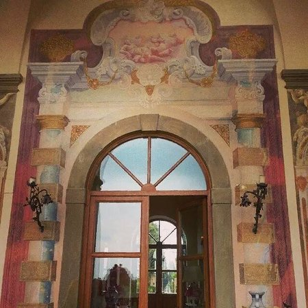 Villa Mangiacane : Painted Frescos on Balcony