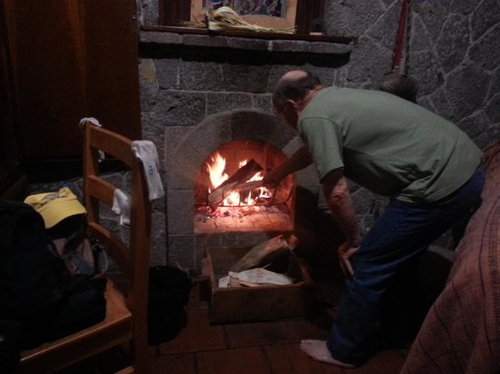 Posada de Santiago: Fire on a chilly night