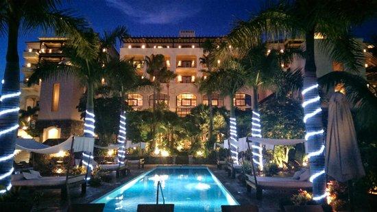 Vincci Seleccion La Plantacion del Sur : View towards main part of hotel from pool area