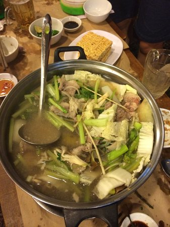 Cau Ba Quan: Amazing seafood hot pot!