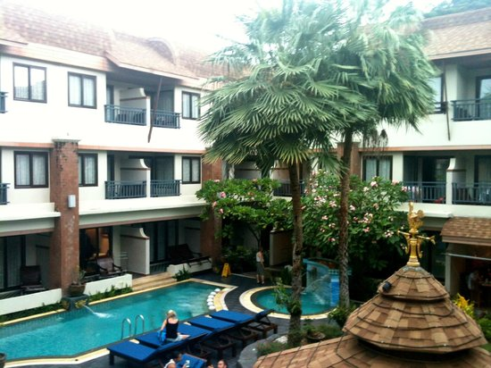 P. P. Palm Tree Resort: Vue de la chambre (temps gris pluvieux - mois de juillet)