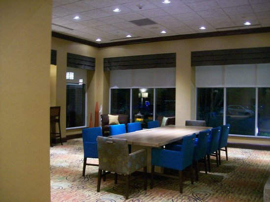 Hilton Garden Inn Greenville: Part of the Lobby Area, they have a big screen TV