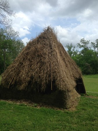 Grand Village of the Natchez Indians: Hut