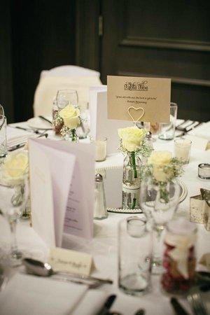 Best Western Glasgow South Eglinton Arms Hotel: table decor