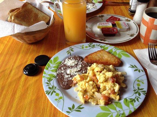 Casita de Maya: Petit déjeuner mexicain préparé par Daniel