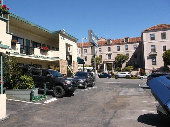 Travelodge at the Presidio San Francisco: Parking at hotel