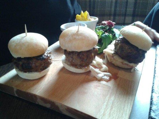 Cafe Sia: Mini burgers
