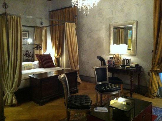 The Inn At The Roman Forum: chambre