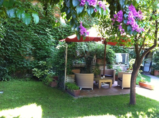 The Inn At The Roman Forum: Jardin privatif de la chambre master garden