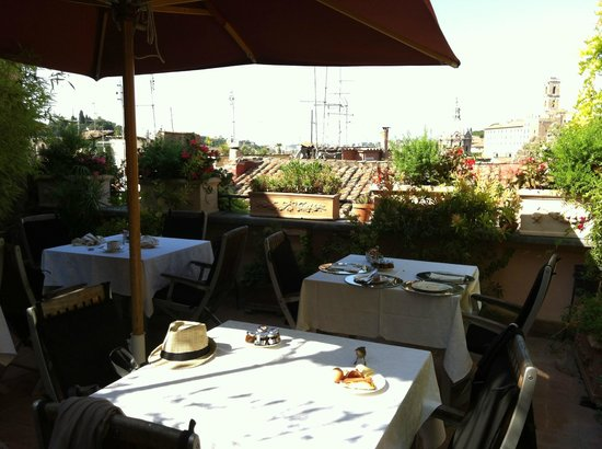 The Inn At The Roman Forum: Terrasse petite déjeuner