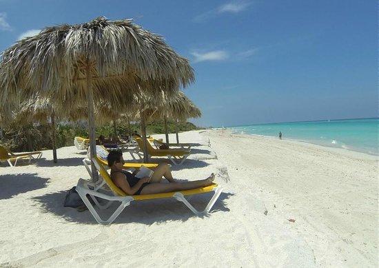 Iberostar Varadero : La playa frente al hotel es angosta pero el mar es una maravilla