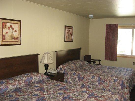 Soda Butte Lodge: Room 216