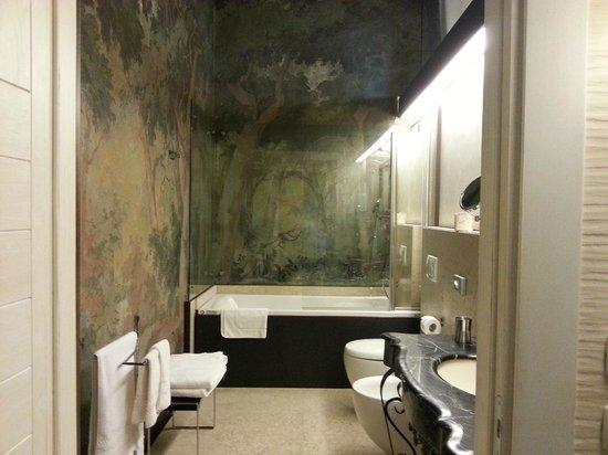 """Castello Bevilacqua: bagno j suite """"generale la masa"""""""