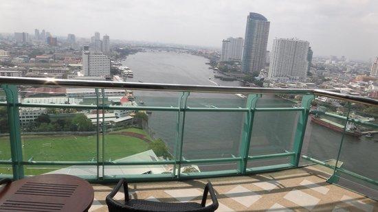 Chatrium Hotel Riverside Bangkok : vista do quarto - nada básica!