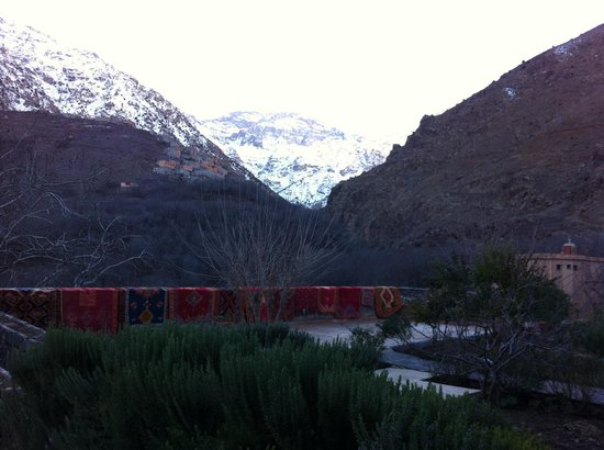 Kasbah Du Toubkal: The view from outside the main entrance of the kasbah in January