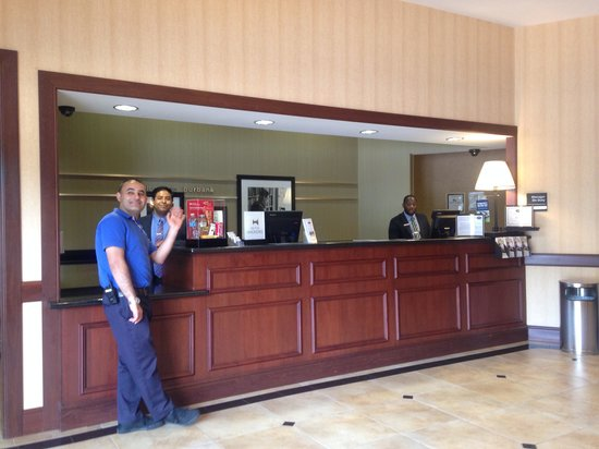 Hampton Inn & Suites Los Angeles Burbank Airport: Hotel Reservation Desk