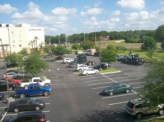 Homewood Suites Tampa Brandon: View from room 311, Parking Lot