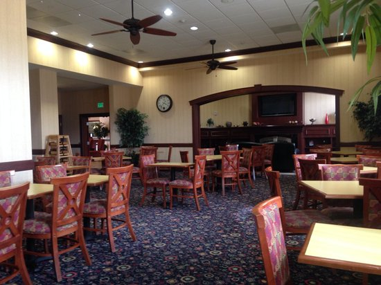 Hampton Inn & Suites Los Angeles Burbank Airport: Dining Area