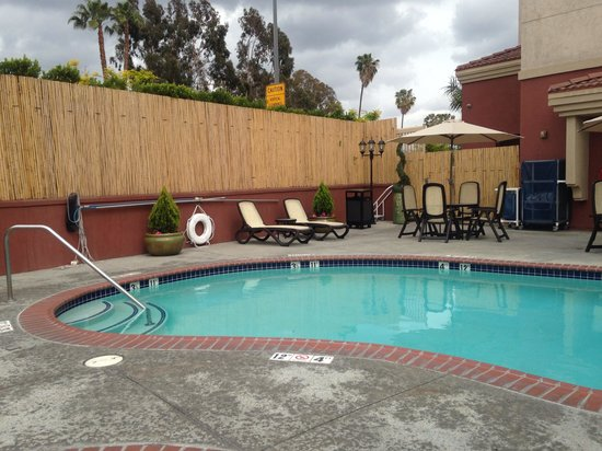 Hampton Inn & Suites Los Angeles Burbank Airport: Pool