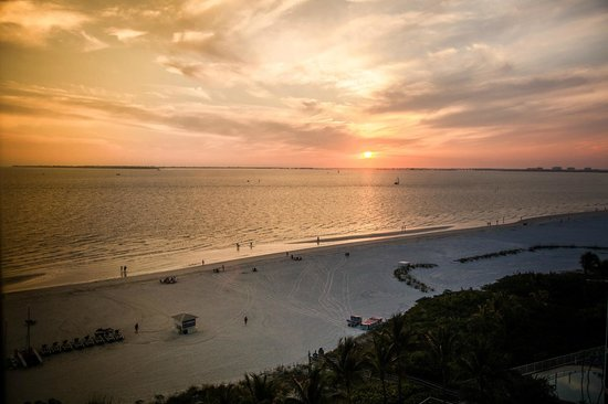 Pink Shell Beach Resort & Marina : View from the balcony