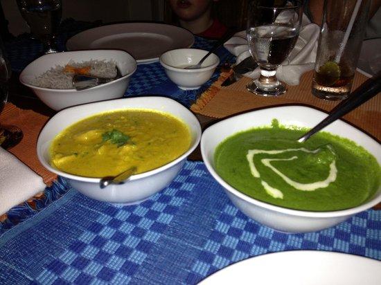 Dakshin's : Mutton saag and chicken korma
