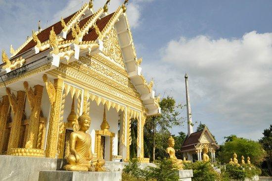 Wat Kiri Wongkaram: Второй храм справа от основного