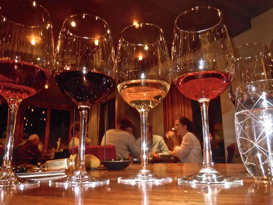 Le Quartier Francais: vino