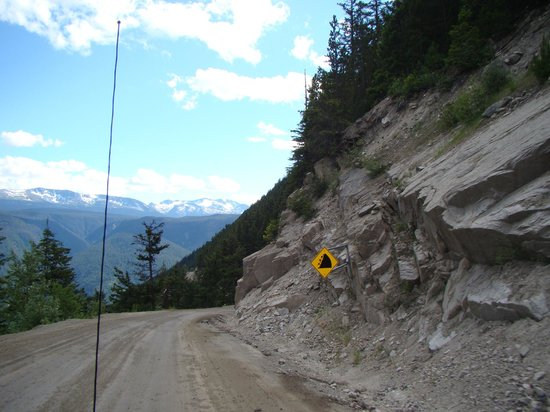 The Float House Inn: The Road to Bella Coola...we survived. I had my eyes closed most of the time.