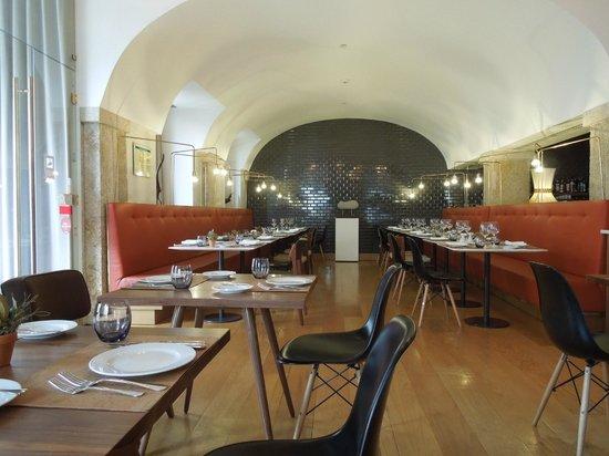 Lisboa Carmo Hotel: Dining/Bar