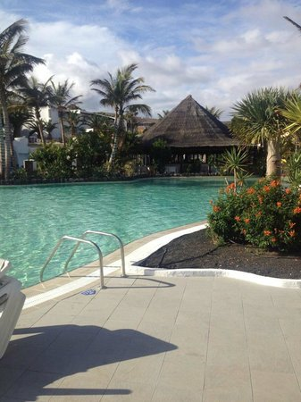 Club Jandia Princess Hotel : Pool and Bar