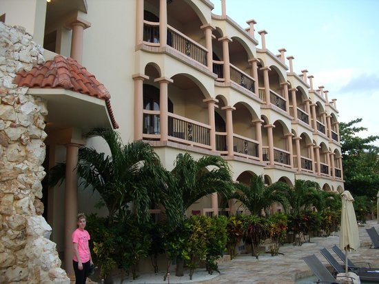Coco Beach Resort: Our hotel room