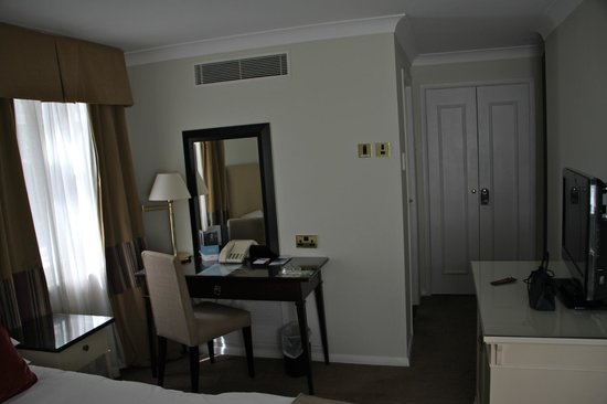Woughton House - MGallery by Sofitel (was Mercure Parkside House): Our room on arrival