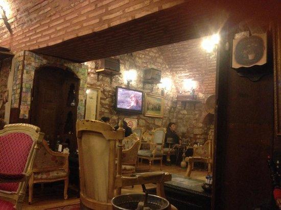 Serbethane Cafe&Restaurant : Inside