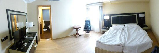 Hotel Talisman: Room 212