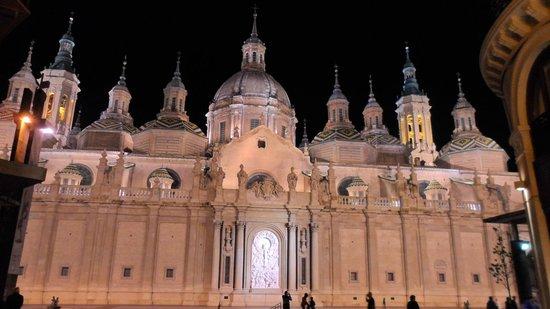 Basilica de Nuestra Senora del Pilar: Fachada