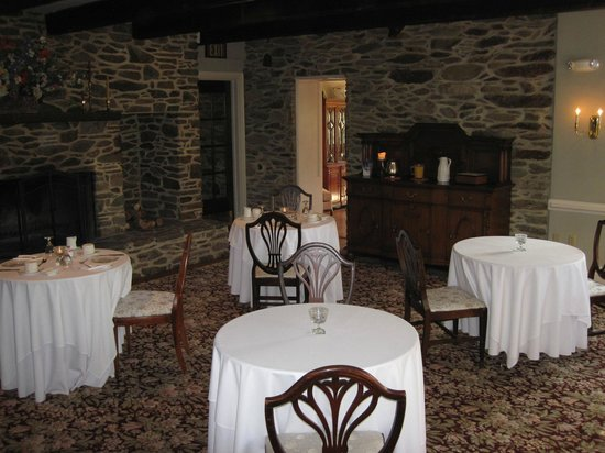 Stone Manor: Breakfast area