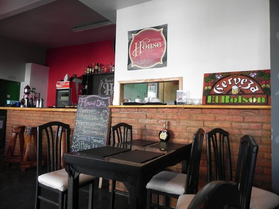 The House Hostel, Resto & Bar: Bar