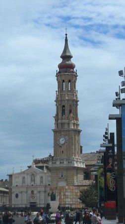 La Seo del Salvador: La torre