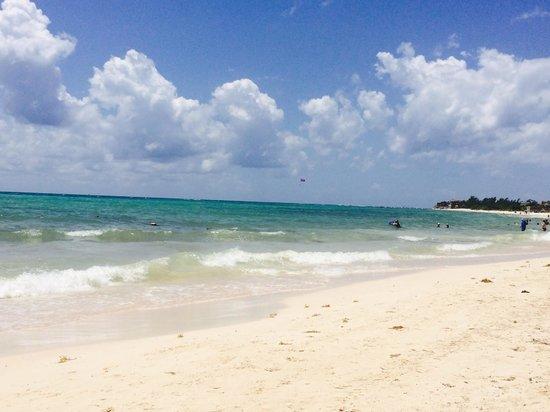 Paradisus Playa Del Carmen La Esmeralda: The beach from the Royal Service side