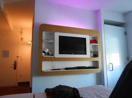 YOTEL New York: Chambre avec télévision et wifi