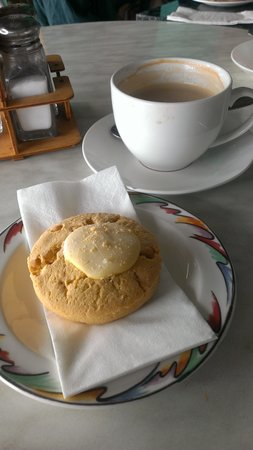 Deep Blue Cafe: coffee & cookie :-)