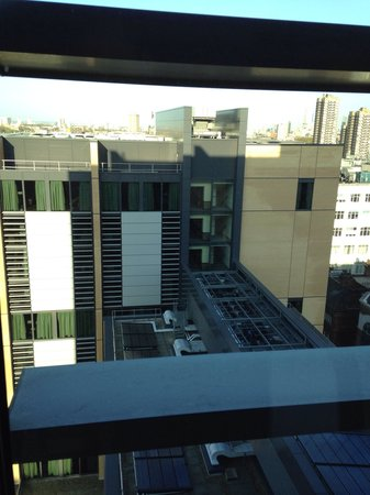 Grange Tower Bridge Hotel: View from our room! 13th floor!