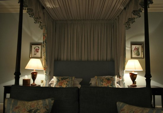 The Talbot Hotel Malton: The 4 Poster Suite