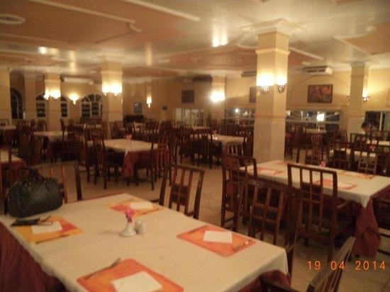 El Samaka Comfort Hotel: sala colazione e cena