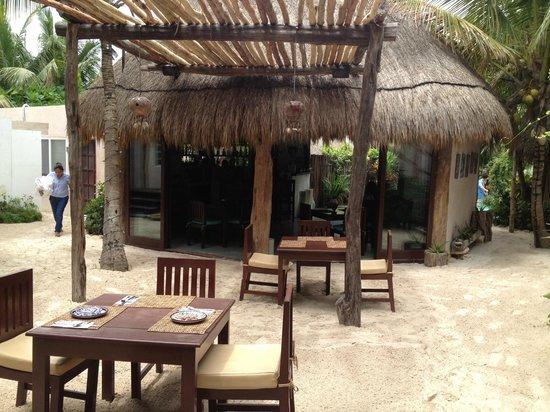 Encantada Beachfront Boutique Hotel : Bar/restaurant
