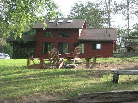 Delta Lodge: Our cabin and fire pit