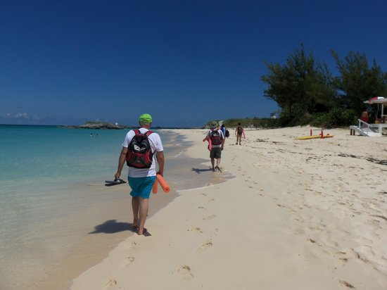 Blue Hole Park : Nearby island - went snorkeling