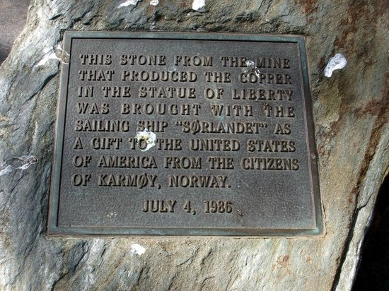 Estatua de la libertad: Plaque