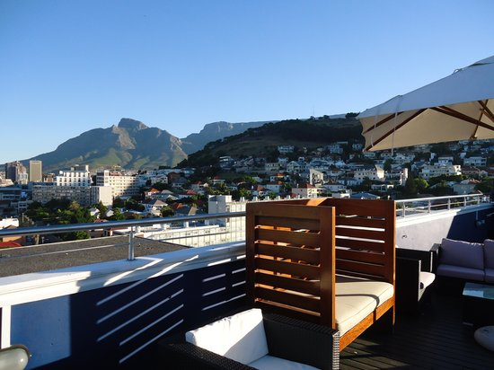 The Cape Royale: rooftop bar