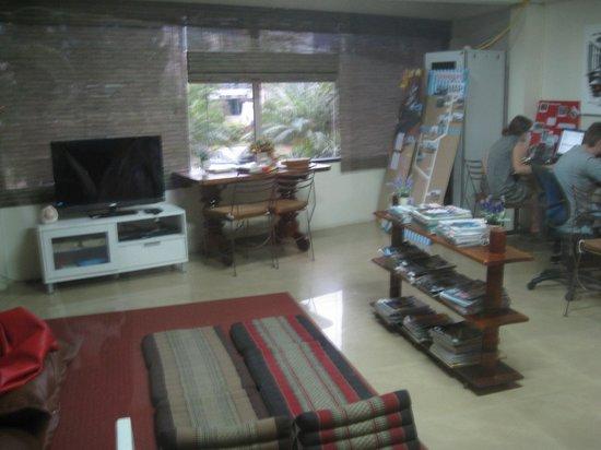FUN-D Hostel: Common area
